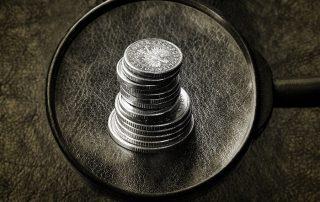 Zwrot prowizji z kredytu lub pożyczki - lupa i bilon