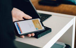 Płatność przy użyciu karty wirtualnej i telefonu
