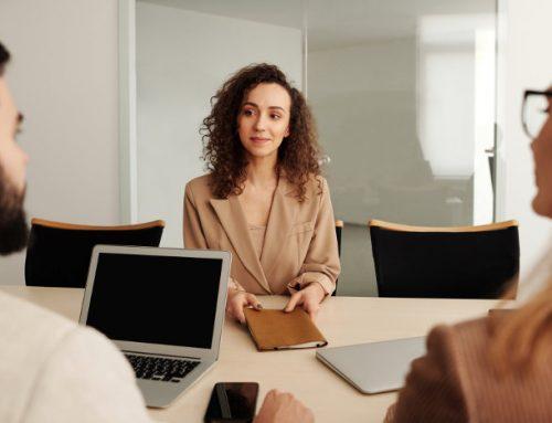 Rozmowa kwalifikacyjna – pytania i odpowiedzi – jak się przygotować? Poradnik i przykłady