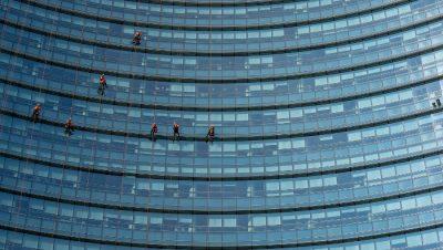 wieżowiec - biurowiec - mycie okien praca