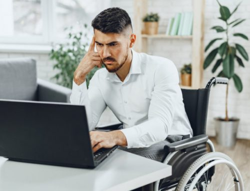 Zatrudnienie niepełnosprawnego 2021 – dofinansowanie do wynagrodzeń z PFRON i ulgi – warunki, wysokość, kwoty, stopnie niepełnosprawności